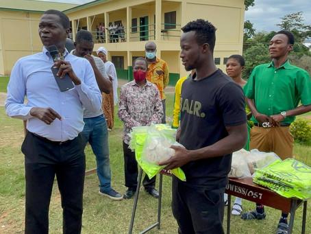Black Stars player, Osman Bukari donates to  Owerriman SHS in Asante Akyem North.