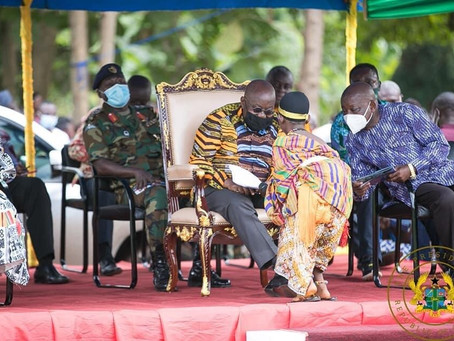 PRESIDENT AKUFO-ADDO CUTS SOD FOR ACCIDENT AND EMERGENCY COMPLEX AT DORMAA HOSPITAL.