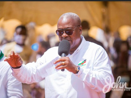 Mahama promises free fertilizer for cocoa farmers