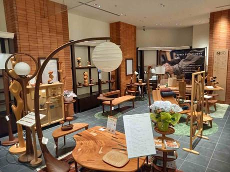丸善日本橋店、木の匠展が始まりました。