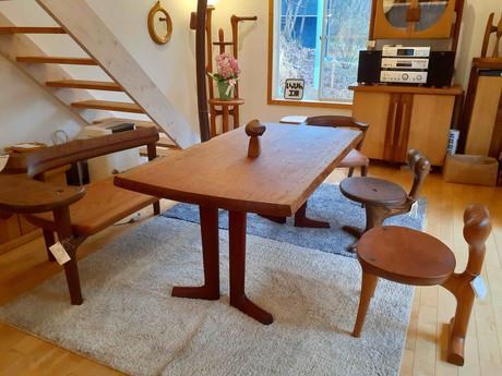 ブビンガのダイニングテーブル