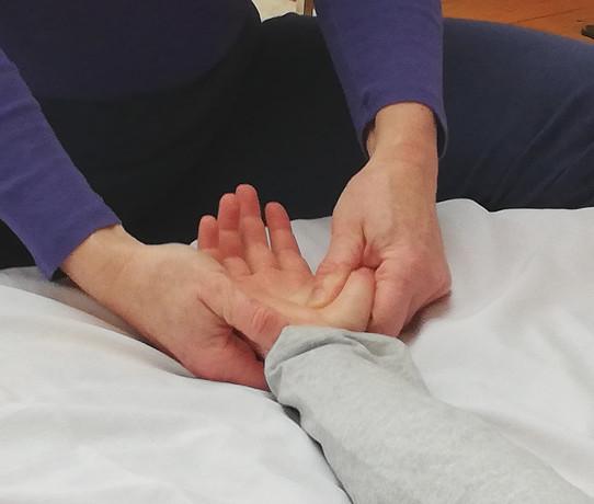 Amélie Sizoff Caen Massage MEBP Enfant autisme TDAH anxiété 7.jpg