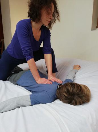 Amélie Sizoff Caen Massage MEBP Enfant autisme TDAH anxieux 1.jpg