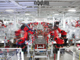 Is a human or a robot more efficient?