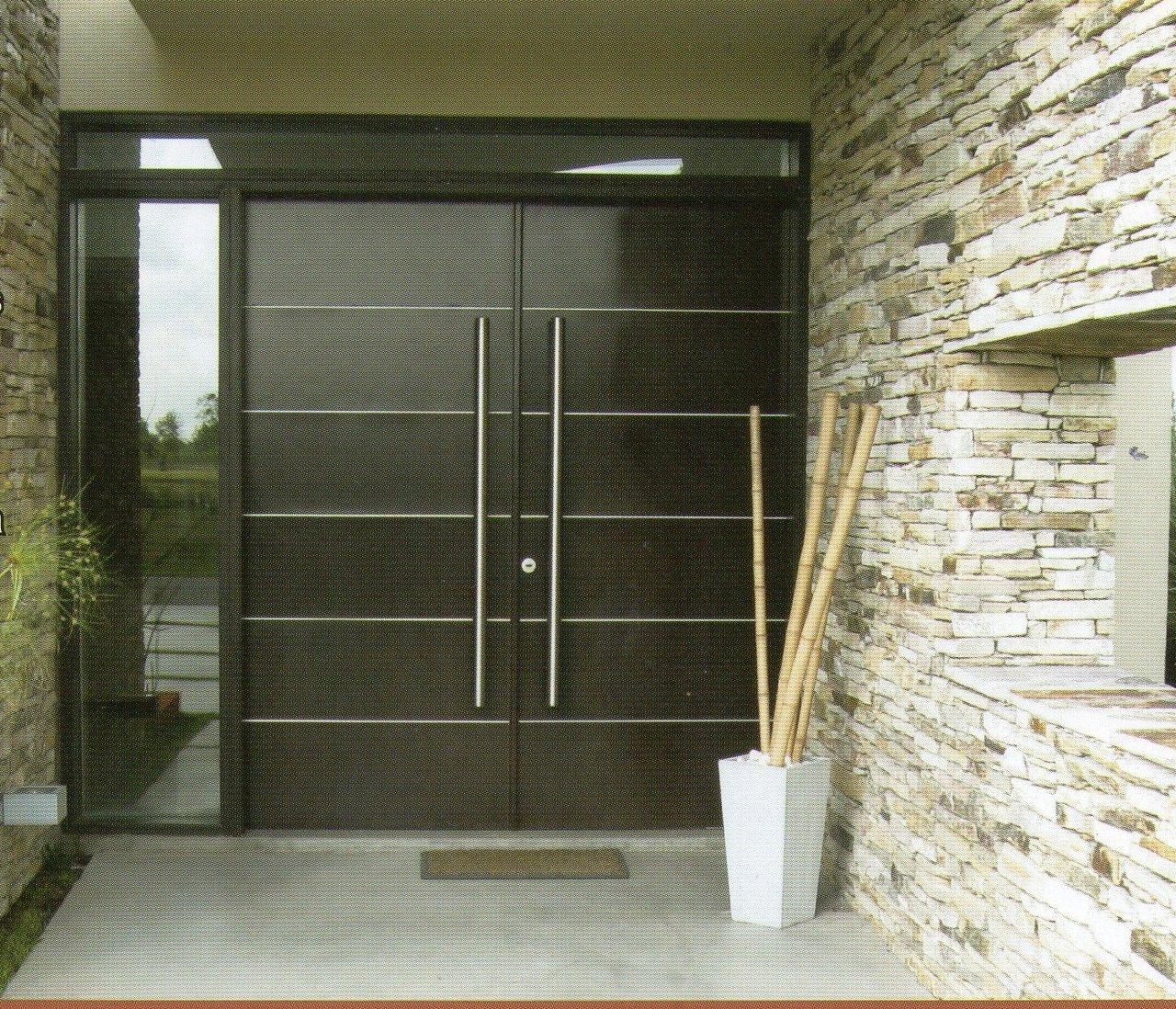 Puerta Cedro con Insertos.jpg