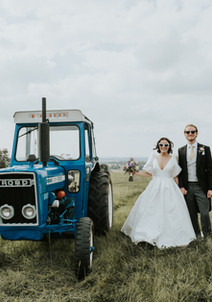 wedding, farm wedding, wedding photography, wedding couple, bride, worcestershire, w