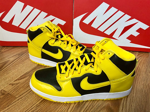 Nike Dunk Hi SP Varsity Maize