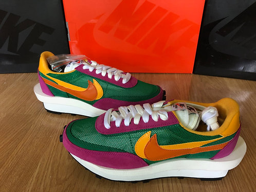 Nike LDWaffle x Sacai Pine Green