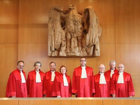 Almanya Anayasa Mahkemesi Avrupa İstikrar Mekanizması'na (ESM) yeşil ışık yaktı.