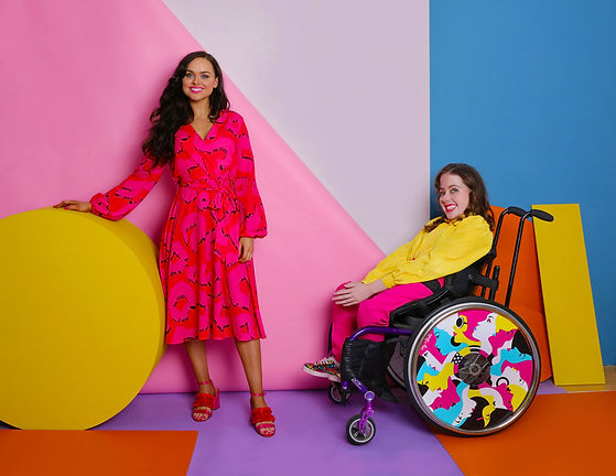 _1-Izzy-Wheels-sisters,-wheel-cover-by-M