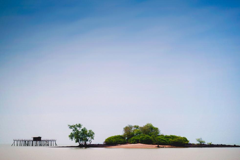 Minimalism Beach in Malaysia- AllenTian.com.jpg