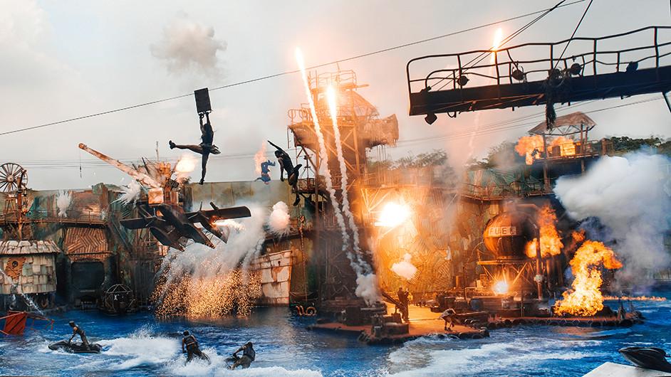 Waterworld USS Singapore.jpg