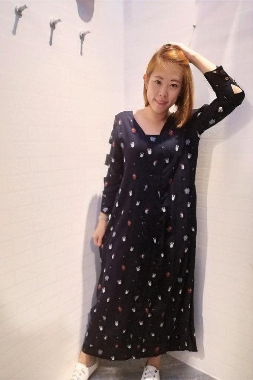 Maxi Keyhole Sleeve Bird Printed Dress In Black