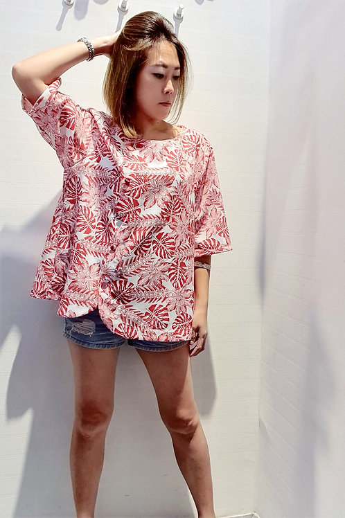 Plus Size Floral Round Neckline Shift Blouse In Red