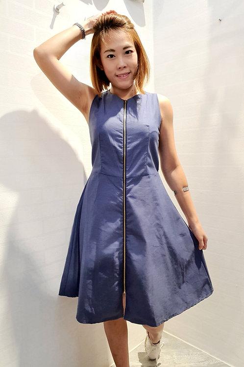 Front Zipper Sleevless Soft Denim Dress In Blue