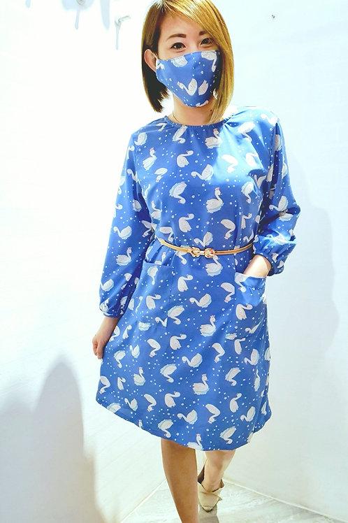 #NK0100 RIBBON BACK SWAN PRINTED DRESS IN BLUE