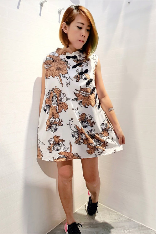 Plus Size Modern Floral Cheongsam Top in White