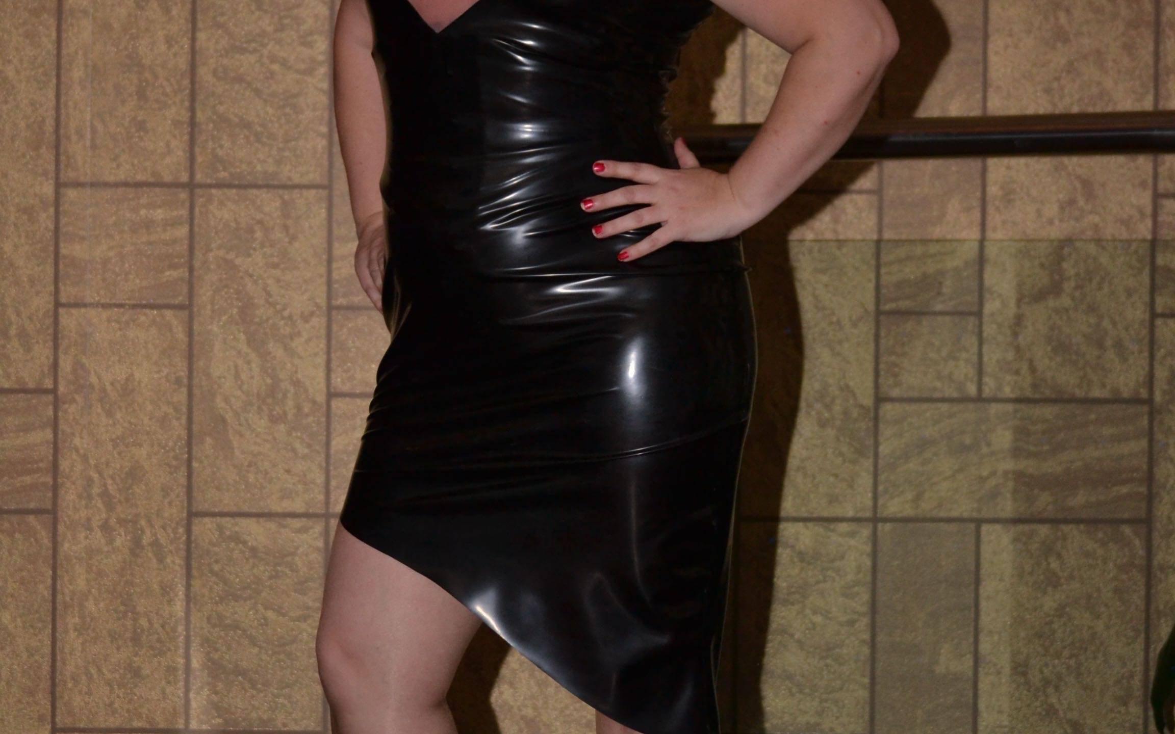Anosonia Wiggle Dress
