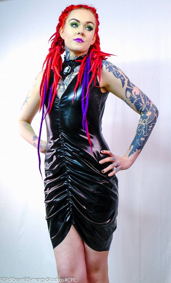 Aniyah Ruched Wiggle Dress