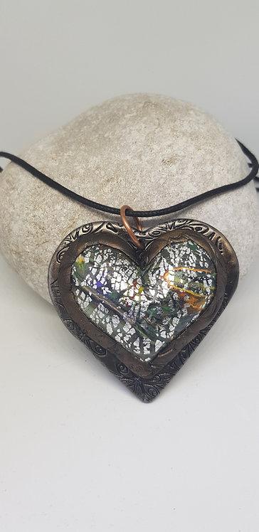 Silver Crackle Heart Amulet Pendant .. No.66 ..