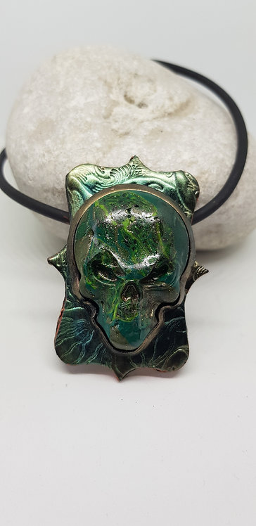 Green Metallic Alien Skull Amulet Pendant .. No.141 ..