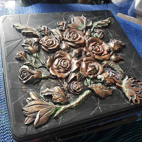 Hand-made Roses Decorated Tin .. Large ..