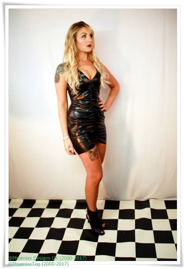 Aniyah Ruched Wiggle Dress002