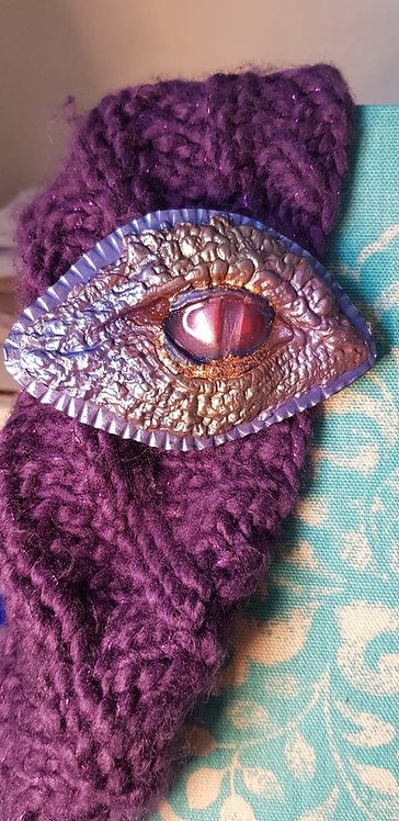 Dragon Eyes Hair Clip .. 174 ..