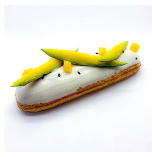 Eclar de mango, pasión y vainilla