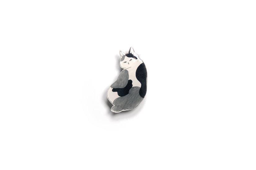 Monochrome Cat Brooch 1