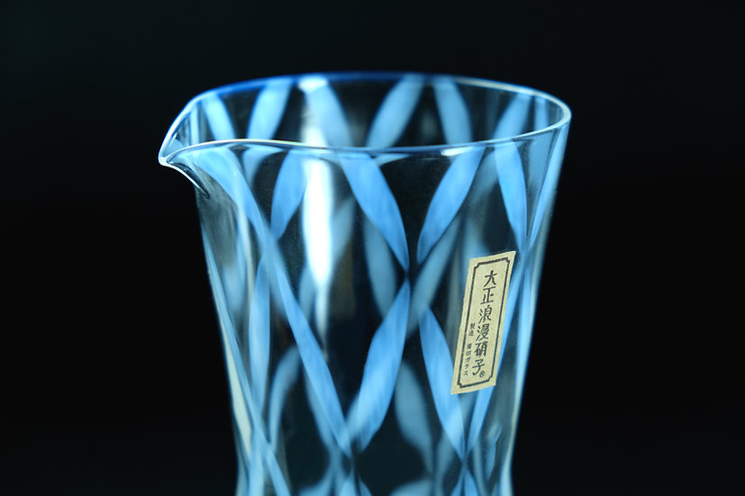 Taisho Roman Glass Carafe Checkered
