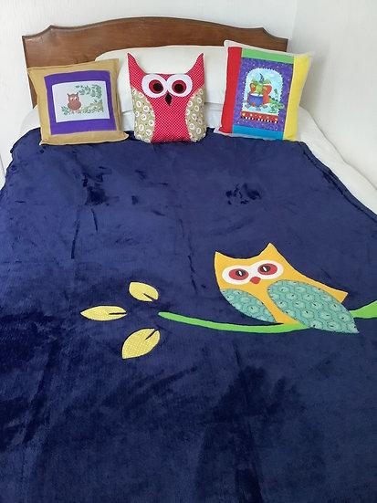 Large Fleece Blanket - Yellow owl on navy