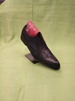 Black Modern Wingtip shoe