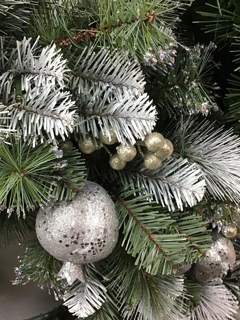 Glittery Pomegrante Wreath.jpg
