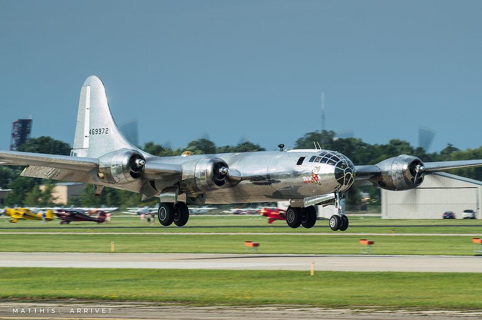 B-29 Doc landing at Oshkosh