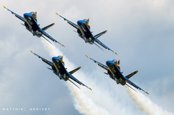 Blue Angels F-18 formation