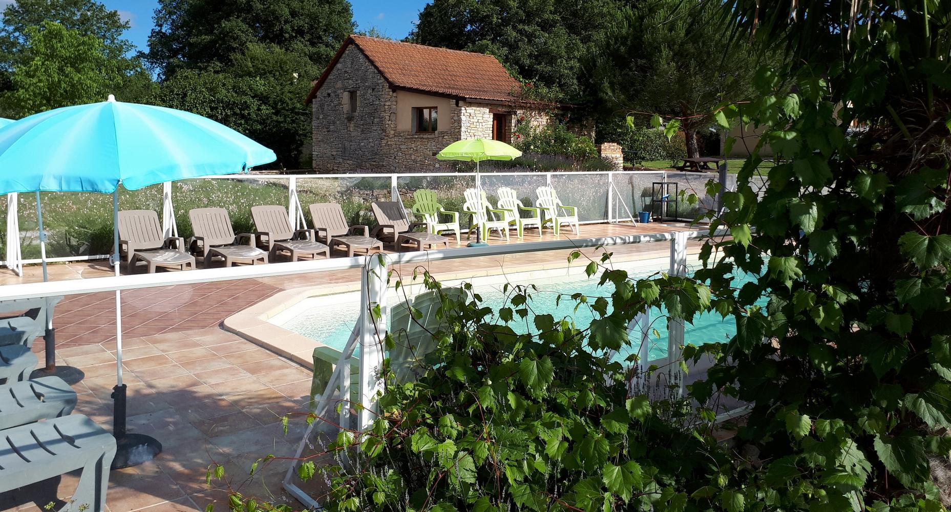 piscine et salle de jeux