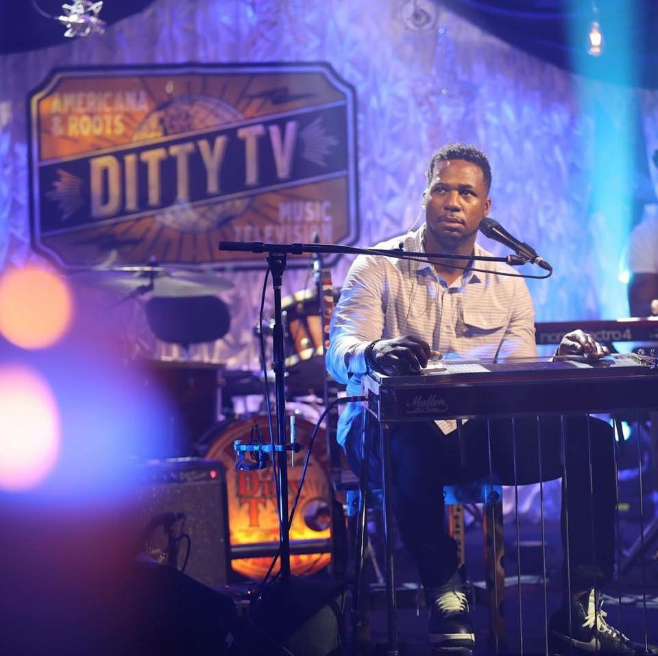 Robert Randolph performing live music on Ditty TV