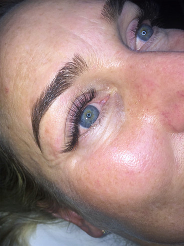 Brow Makeover & Tint