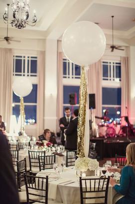 white 3 foot balloons.jpg
