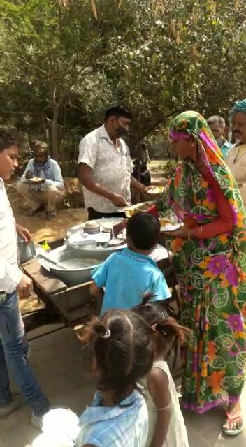 Food Seva for Labourers.mp4