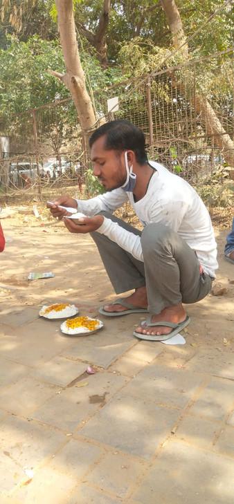 Food Seva for Labourers5.jpeg