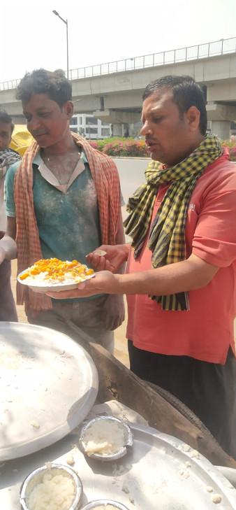 Food Seva for Labourers8.jpeg