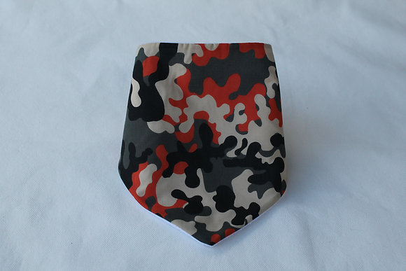 camouflage print bandanna bib