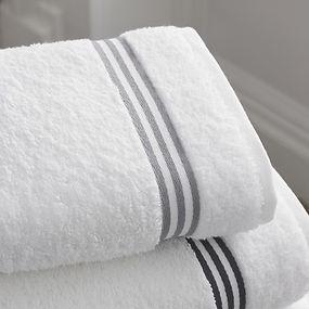 bathroom-1281614_1280.jpg
