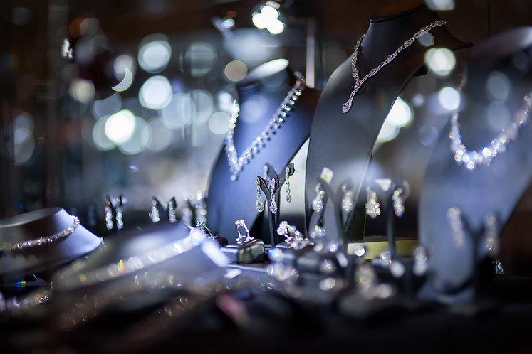 jewelry window display.jpg