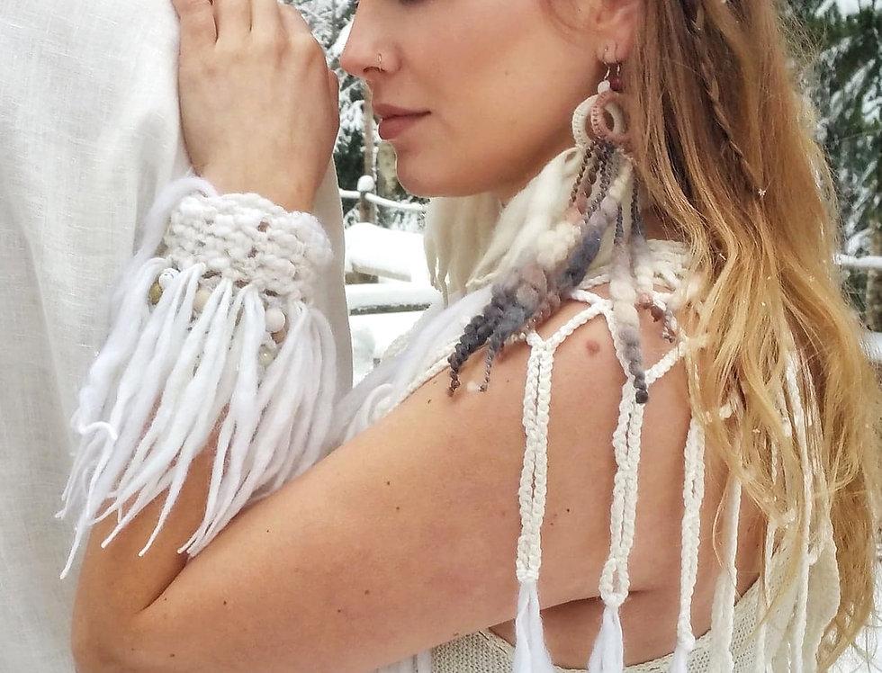 City Shaman fringe bracelet, white