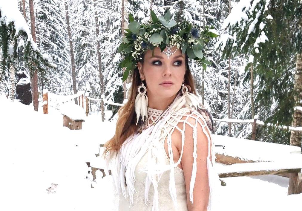 Fairytale wedding winter bride