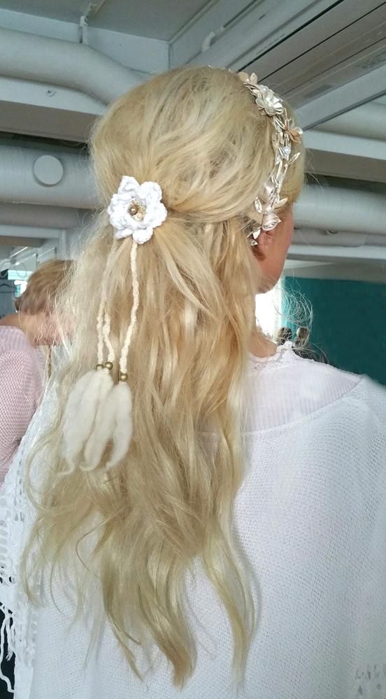 Louhi hair band white