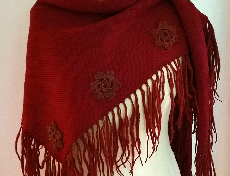 Wine red knitted sotkatar scarf